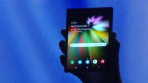Samsung présente son smartphone pliable