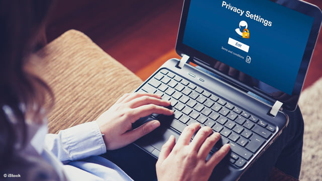 Vérifiez vos mots de passe avec Password Checkup